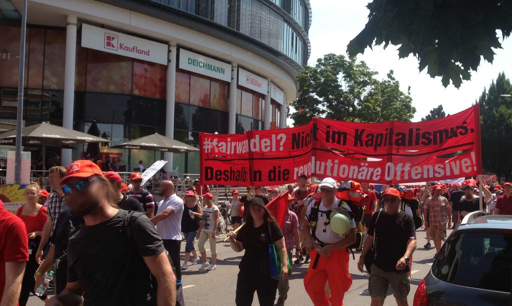 Demo gegen Stellenabbau bei Mahle Stuttgart und Schließung von Mahle Öhringen.